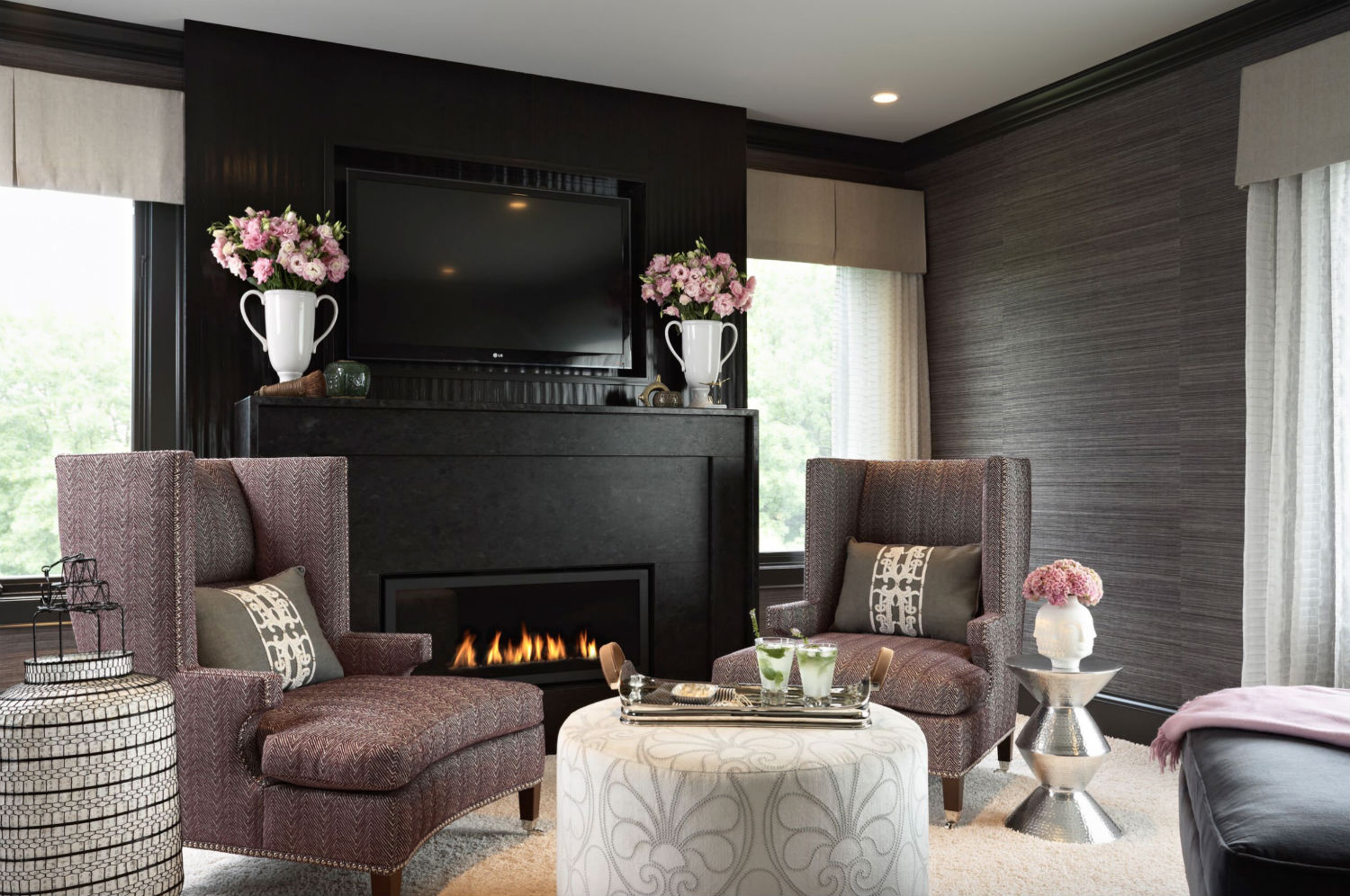 5 Black Wall Design Ideas - Decorating with Black